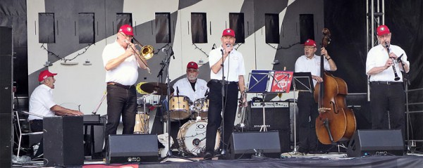 new orleans jazz band dag Magnolia all-star new orleans jazz bands though similar to our riverboat hot jazz band on the surface, traditional new orleans jazz is interpreted and improvised by the player in a different manner, and projects an overall.